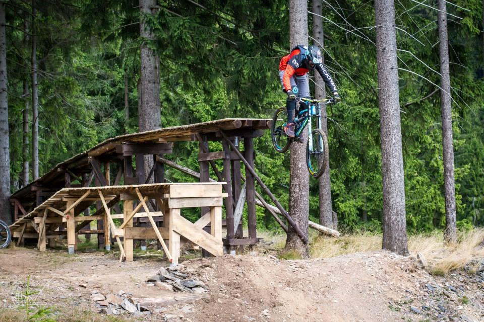 Drops im Bikepark Silbersattel Steinach. Foto: Killpix