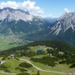 Blick von der Bergstation de Grubig II Seilbahn bei der Grubighütte, direkt unter dem Grubigstein
