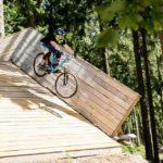 Rampe mit Drop im MTB-Park Hürtgenwald