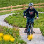 Kleine Holz Obstacles auf den Junior Trails Reiteralm